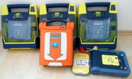 AED Defibrillation Wiederbelebung Notfalltraining
